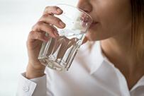 LAXOSOFT® liuos tulisi sekoittaa nesteeseen